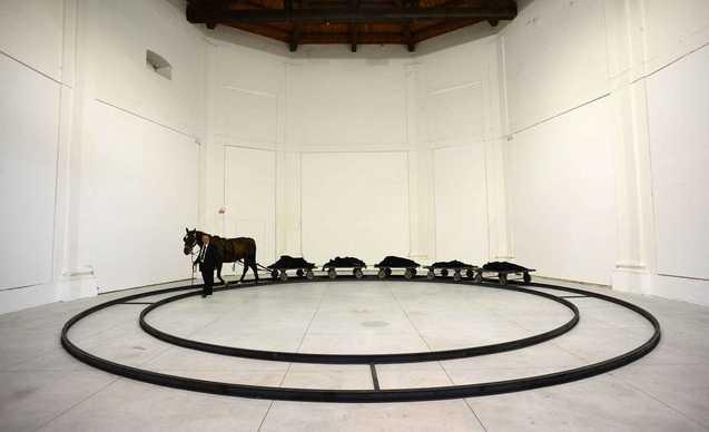 Foto mostra JANNIS KOUNELLIS-Centri Arti Visive Pescheria di Pesaro